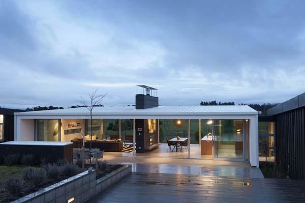 Vikend hi a izjemna arhitektura namenjena kot nala za for Minimalist house plans nz